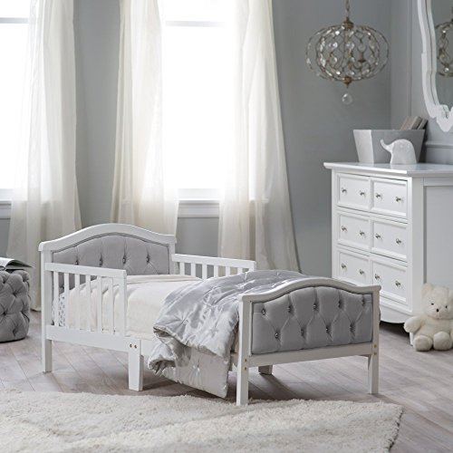 This Stylish Wooden Toddler Bed Includes A Classy Tufted Headboard And Footboard With Solid Wood Construction The Head Board Foot Features Soft